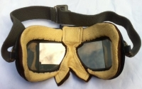 R.A.F. FLYING GOGGLES (MkVII) . ´MINT STATE´ & TOTALLY STORES FRESH.