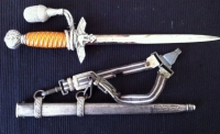 LUFTWAFFE (2nd Type) Officer�s Dagger (c,1940) with hangar and tassle.